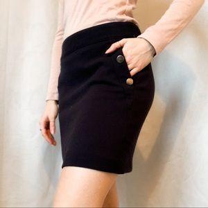Very comfy navy Banana Republic skirt with pockets